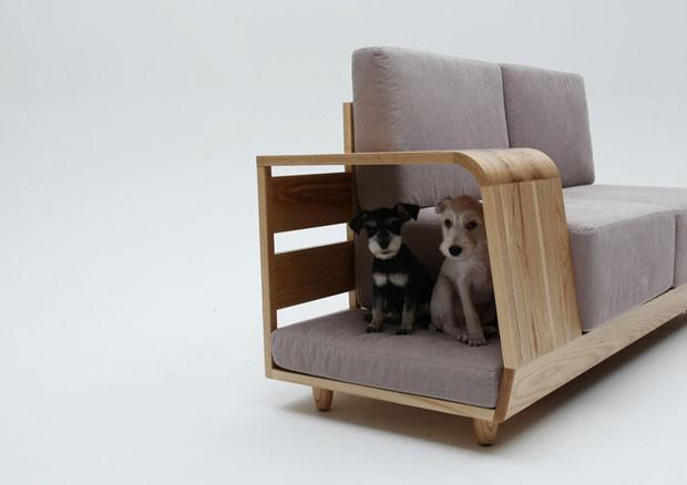 Sofá com lugar para os dogs! Super interessante, projeto de Seungji Mun com linhas retas e cores nordicas. Chic!