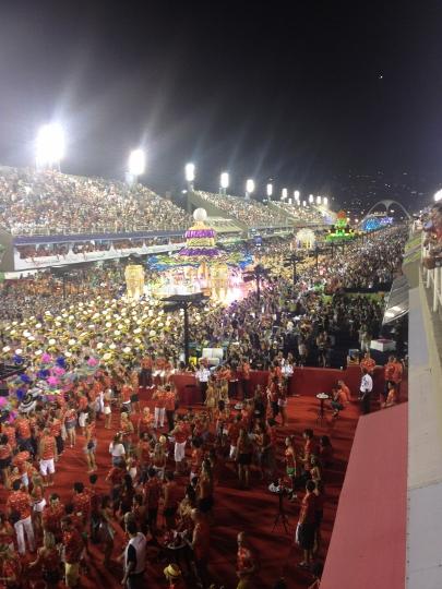 Vista do Camarote da Brahma para a Marques de Sapucaí no desfile do ano passado.