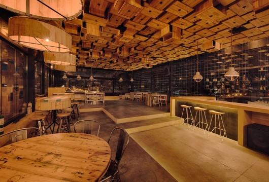 Bar e restaurante el fabuloso bogot ame arquitetura for Bar rustico para casa