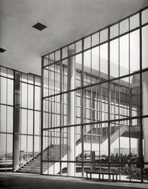 FAU UFRJ projetado por Jorge Machado Moreira em 1955, edifício que encantou Le Corbusier por seguir a risca os conceitos do modernismo.