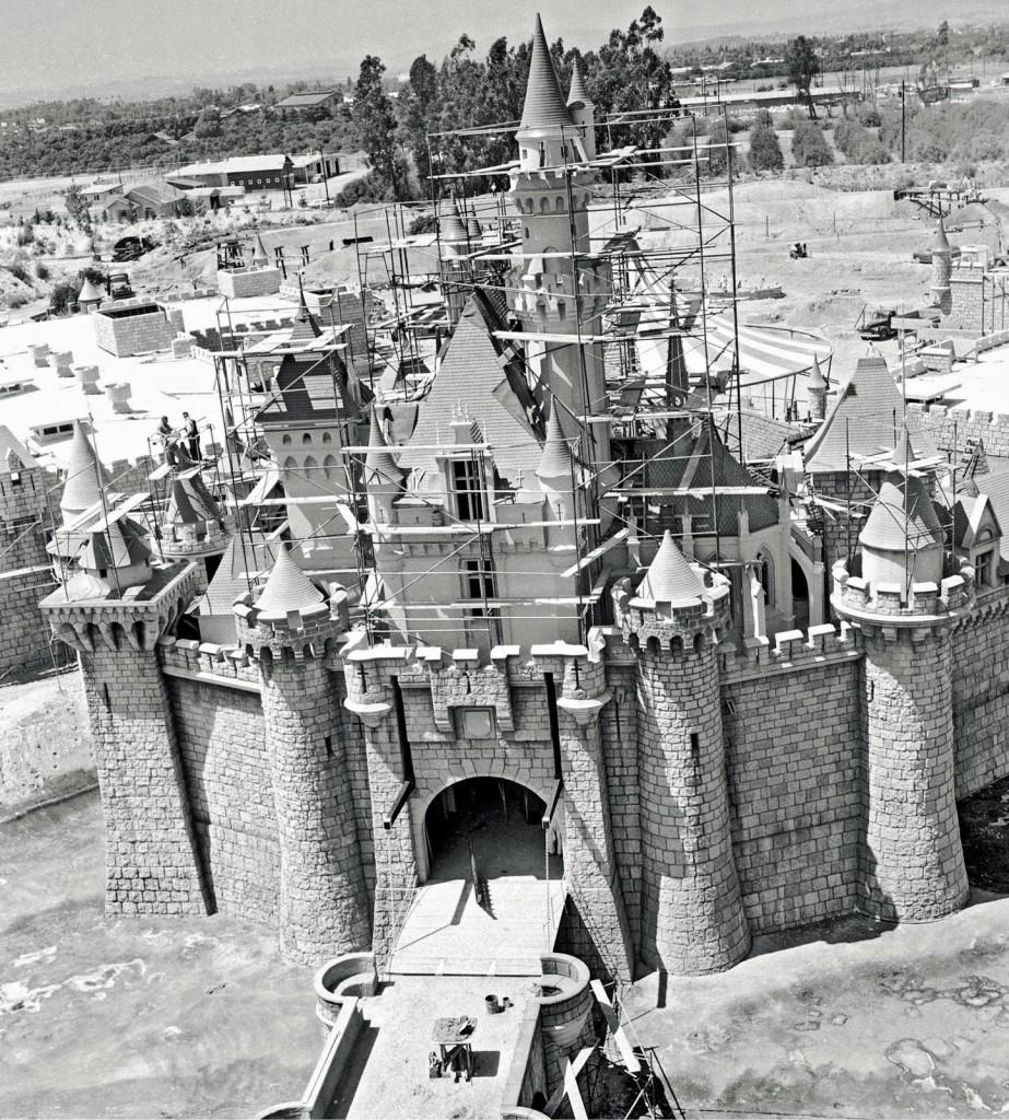 O Castelo da Bela Adormecida em obras.