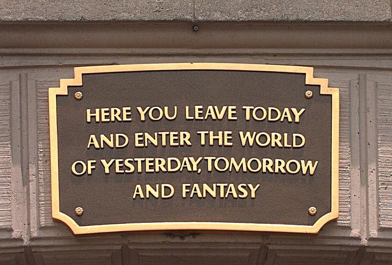 """""""Aqui voce deixa o hoje para trás e entra no mundo do ontem, do amanhã e da fantasia"""" - Genial!!!"""