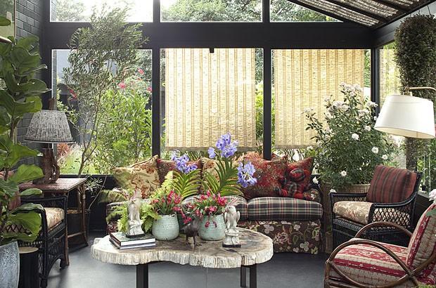 Romantica e aconchegante, a Casa de Campo combina paisagismo cm decoração.