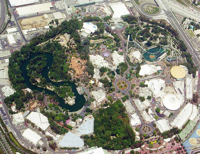 Vista aérea de 2005, 50 anos após sua inauguração.