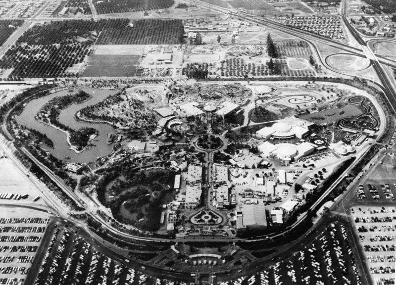 Foto aérea de 1956, com o parque já inaugurado e sucesso de público.