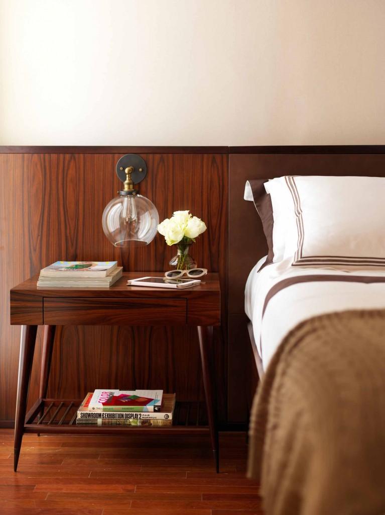 O quarto Vintage de Victoria Enrica para a Mostra Casa Pronta usa as mesmas cores do Fasano, com móveis com linhas retas e design clássico.