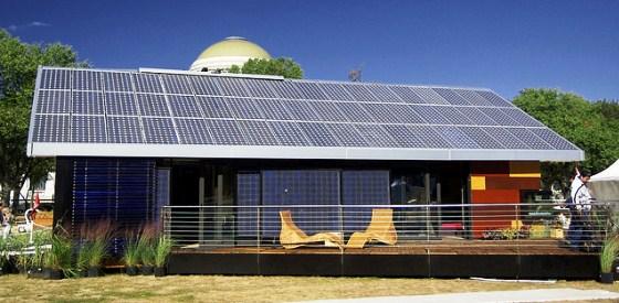 Casa com painel solar na Espanha