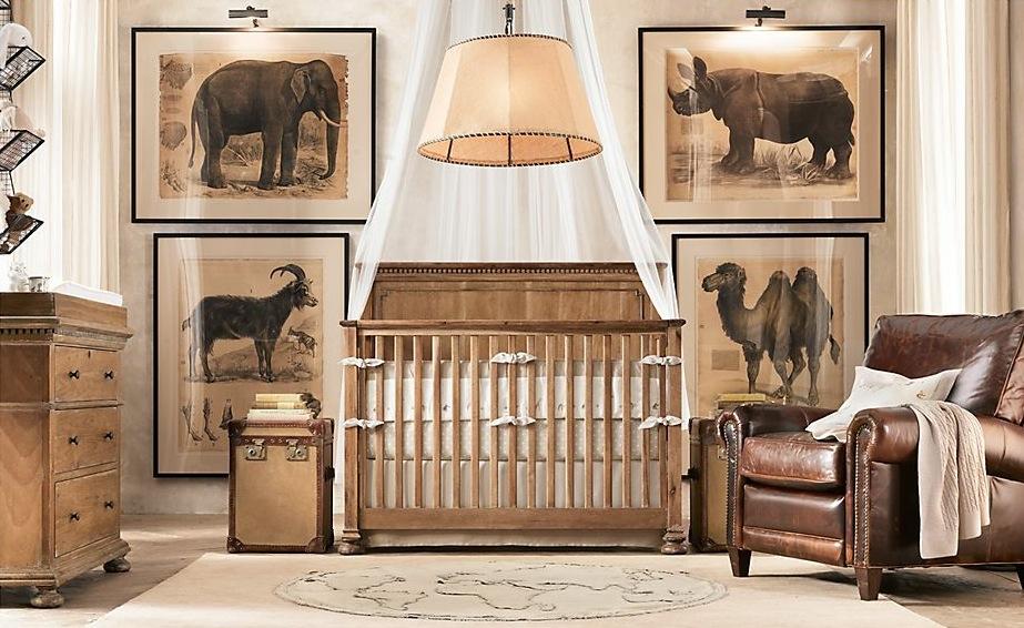 Pode-se usar os estilos arquitetônicos em todos os cômodos de uma casa, inclusive em quartos de bebe. Este na foto, é um quarto tradicional, porém com pequenos detalhes contemporâneos, como as molduras dos quadros e a luminária.