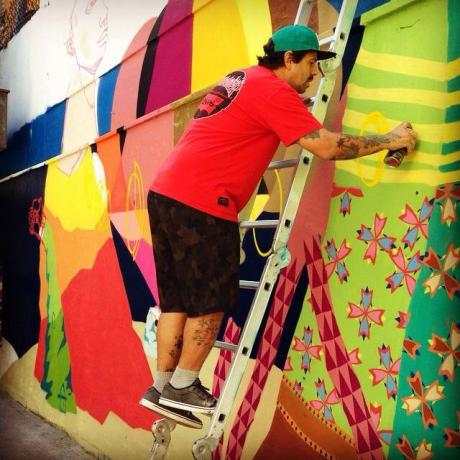 Este ano o evento vai contar com Uma exposição composta por cinco murais de grandes dimensões, os maiores já feitos pelo Art Rua, além de atrações externas espalhadas pela Gamboa e intervenções realizadas com as comunidades vizinhas. A curadoria dos artistas ficou por conta do Instagrafite, a maior rede colaborativa de arte urbana do mundo, com mais de um milhão de seguidores.