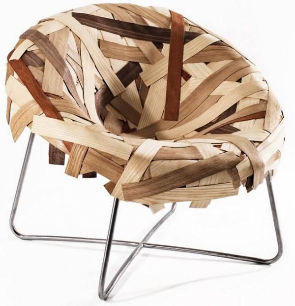 Cadeira feita com sobras, criando um design clean e elegante