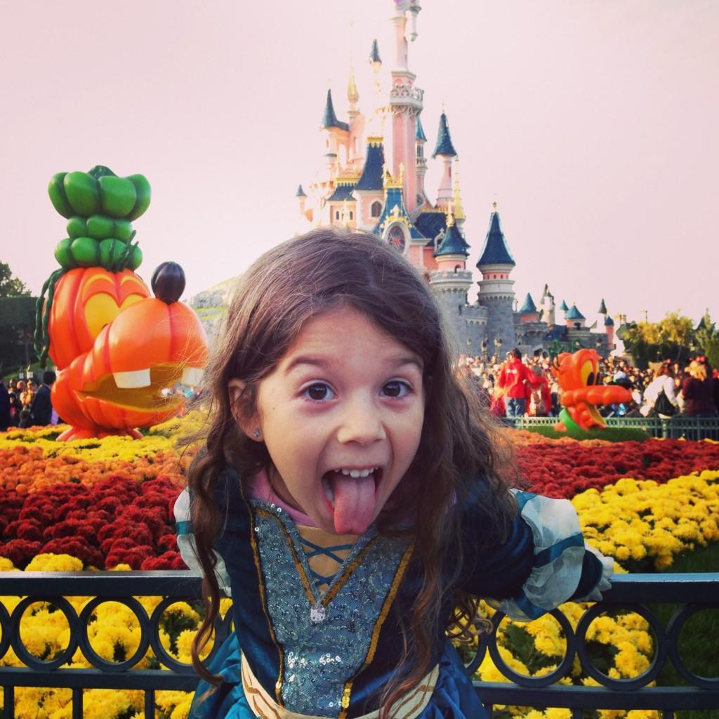 Buuuuuu!!! Hahahaha, happy halloween!!!