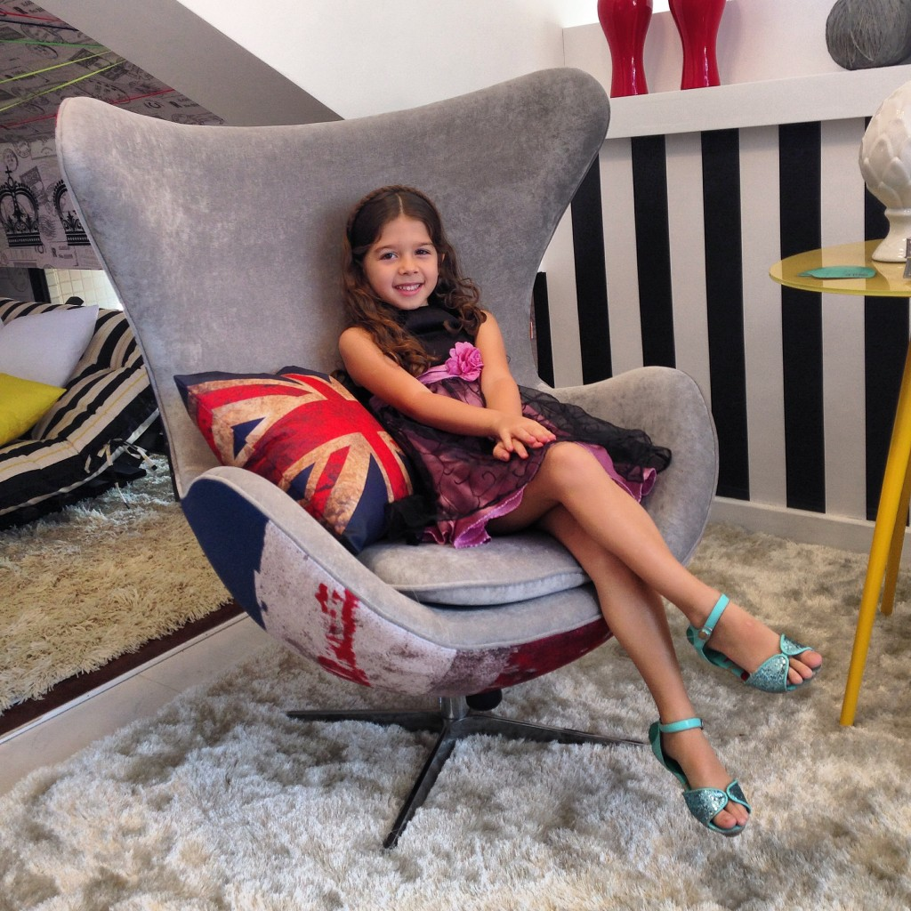 Minha princess Manuela no reino encantado das blogueiras... Linda!