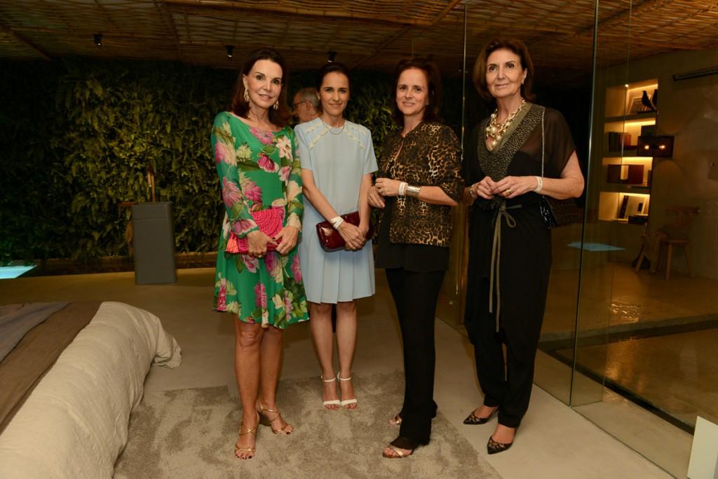 Patricia Mayer, Gisele Taranto, Patricia Quentel e Cris-Ferraz no Cocktail de inauguração na segunda feira dia 27 de outubro.