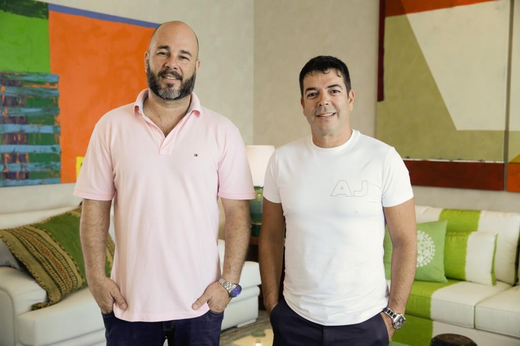 Sandro Ward e Alvaro Torres em homenagem a Redó.