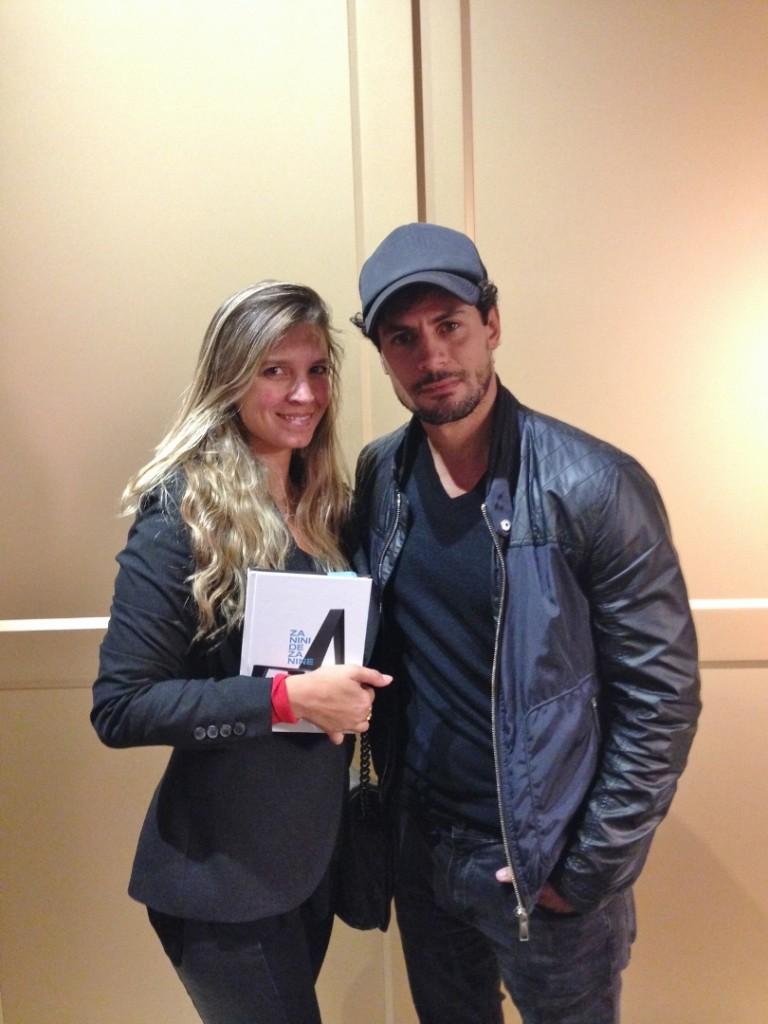 E o Zanini recebeu e autografou seu livro na Florence, também no shopping.