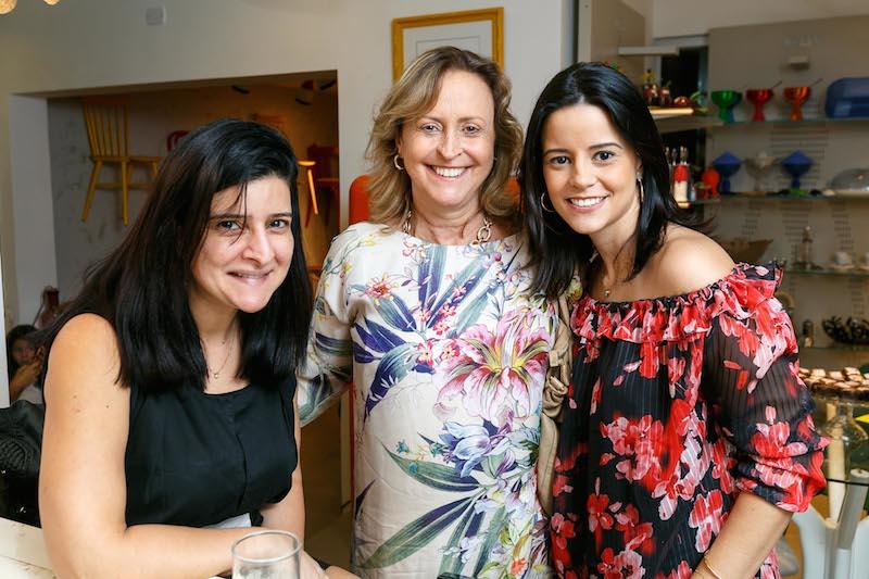 MARIANA FONSECA, ANA LUIZA VOILLAND E ANA PAULA VOILLAND