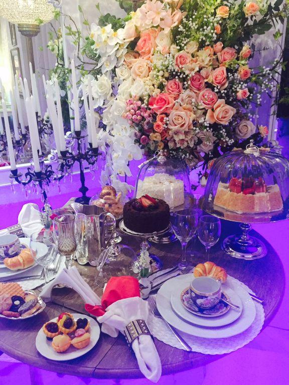 É como ter o preview da sua festa de casamento, com café da manhã, lanches e toda a atenção que uma noiva merece no seu dia.