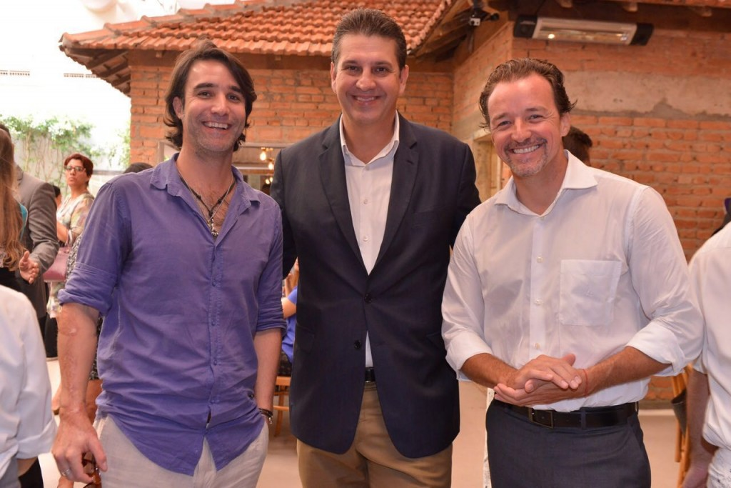 Thomas Baccaro, fotógrafo, Lauro Andrade e Christian Kadow, presidente da Mekal