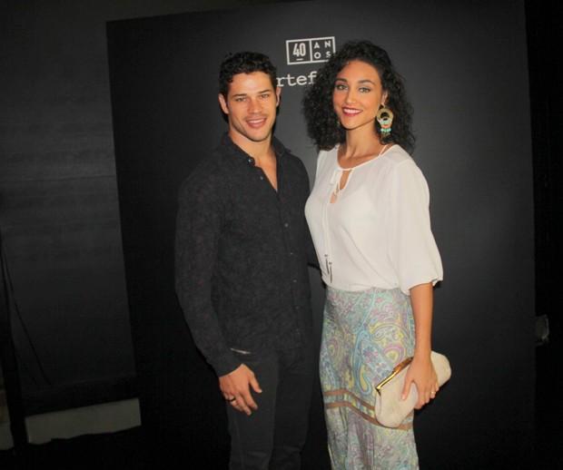 O casal Zé Loreto e Debora Nascimento