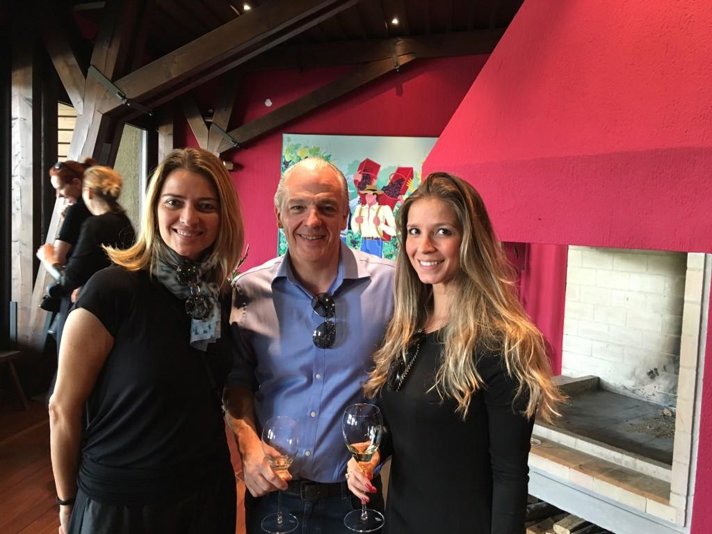 Flavia Parini e Raul Penteado da Deca, junto ao Bruno Antoniacci foram nossos anfitriões.