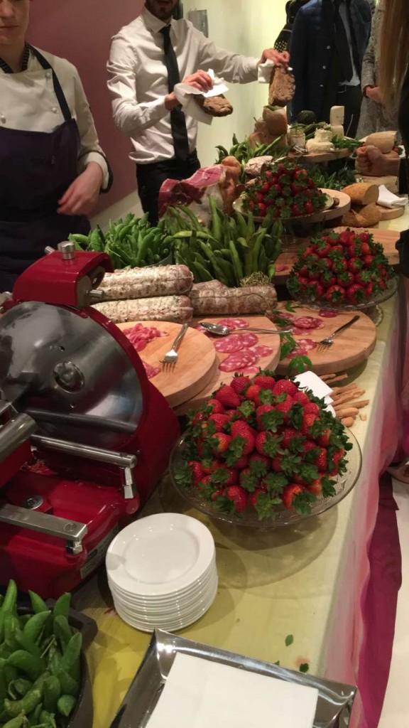 Um pouquinho do banquete que a Missoni preparou para receber seus convidados! 🍓