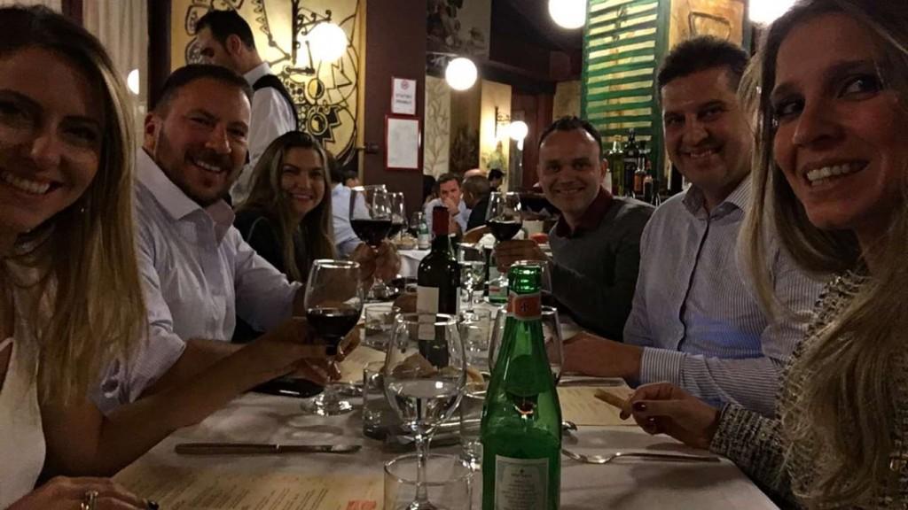 Eduarda Santos, Marcos Marcello, Alessandra Olivastro, Simões Neto, Lauro Andrade e Eu no jantar.