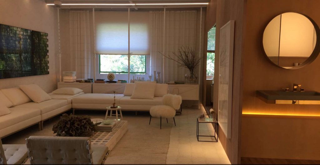 A Unidade Shoji 04 conta com quarto, sala de estar, jantar, cozinha e banheiro.