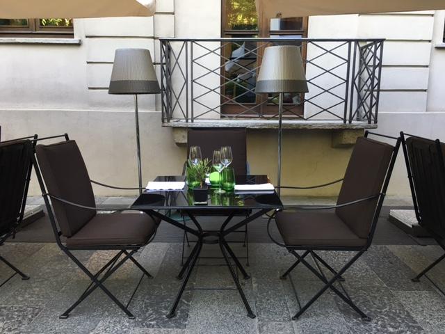 Área externa do Bulgari Hotel & Resorts Milan