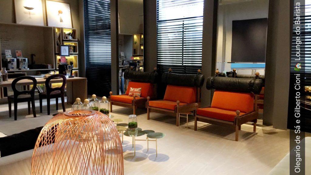 Lounge do Barista Olegário de Sá e Gilberto Cioni. Cheirinho de café feito na hora.