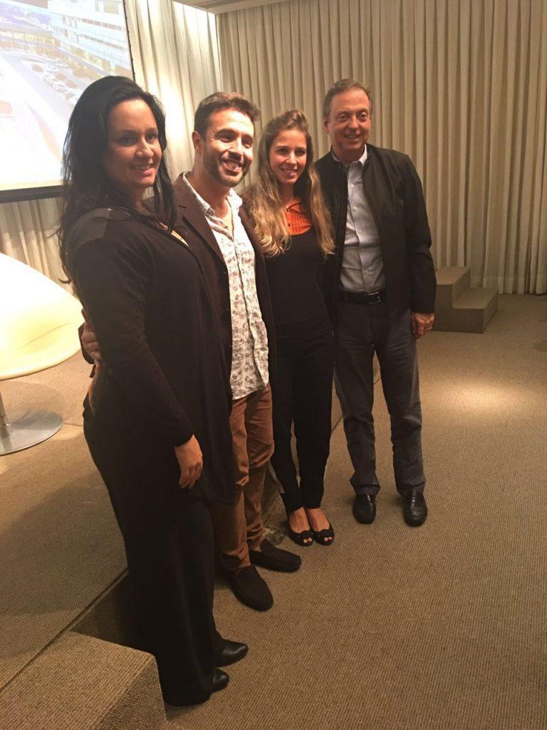Pós palestra, com os arquitetos Flávia Manhães e Alexandre Cardim - também palestrantes e o diretor do CasaShopping, Francisco Grabowsky